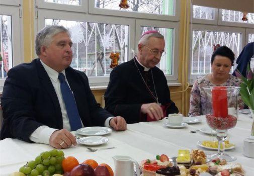 Arcybiskup Stanisław Gądecki z wizytą w szkołach KSW w Poznaniu